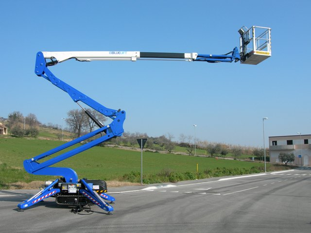Platform Focus: SA18 compact tracked boom lift from Bluelift