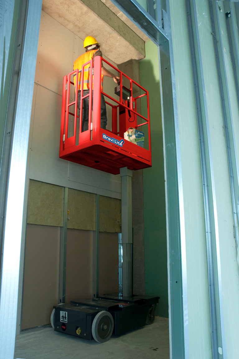 Bravi Lite vertical mast lift