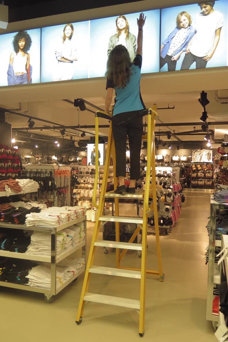 HLS 360 platform steps in fashion retail shop