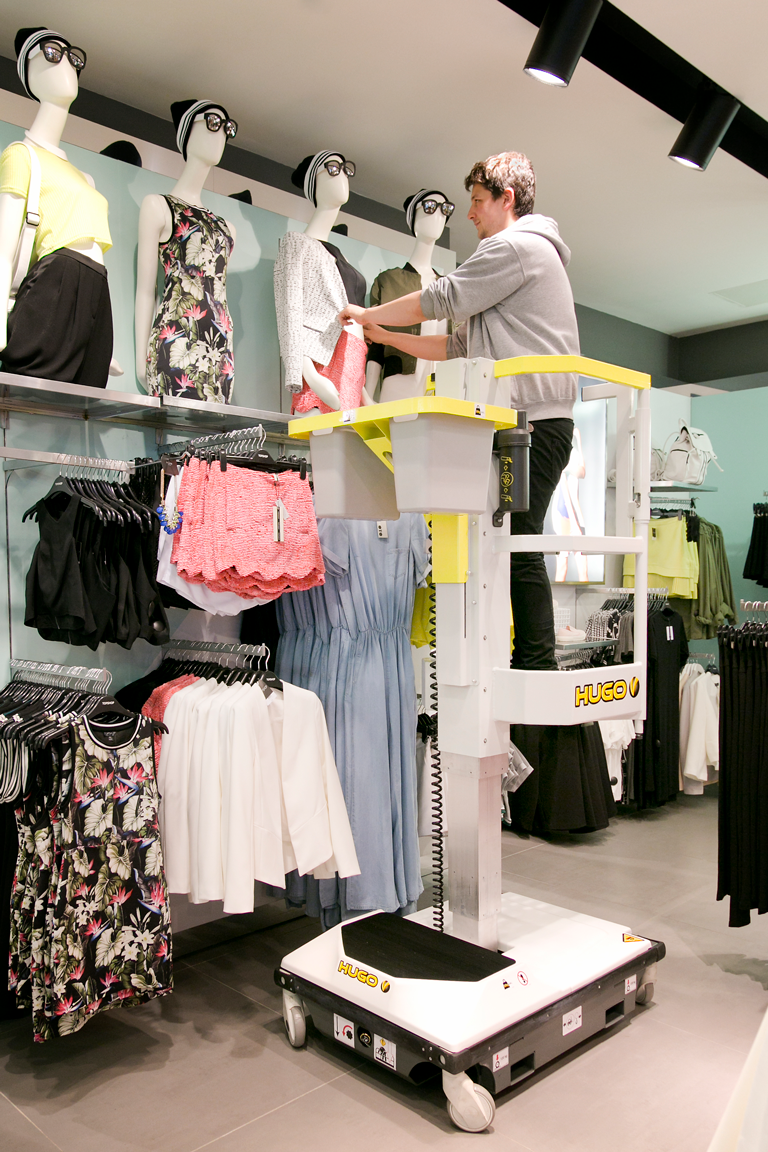 HLS Hugo lift visual merchandising retail