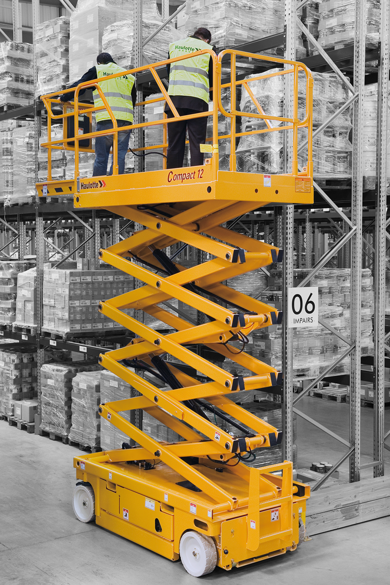 Haulotte Compact 12 electric scissor lift