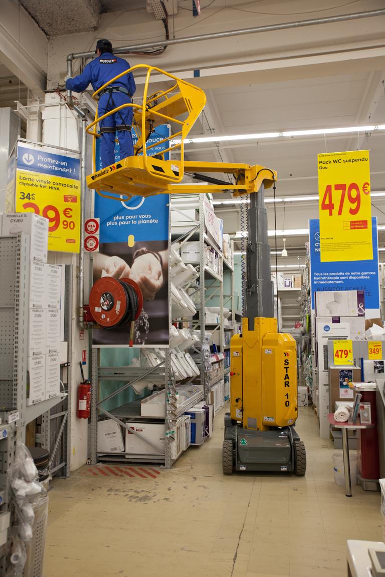 Haulotte Star 10 doing point of sale in DIY retailer