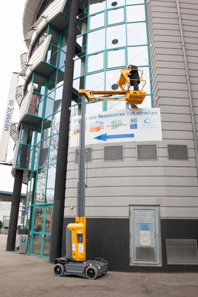 Haulotte Star 10 outdoor building facade maintenance