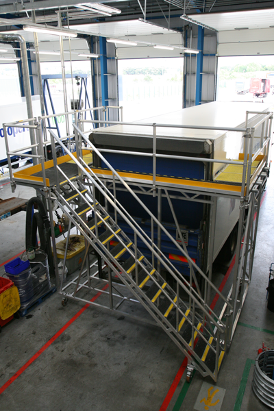 Bespoke platform to access articulated lorry
